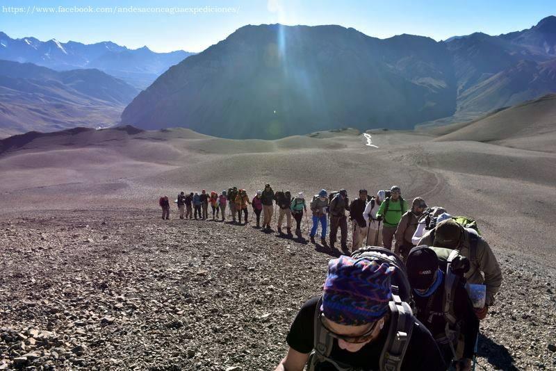 Trekking Cruce de los Andes Paso Portillo . Mendoza a Chile.