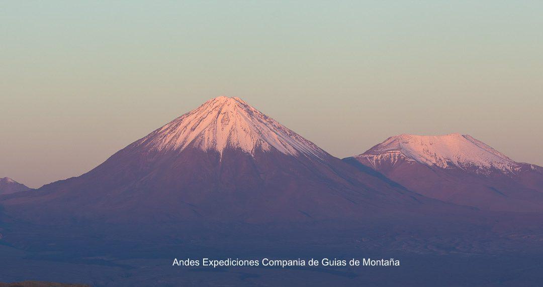 Ascenso al volcan Licancabur guiado, logistica, expediciones. consultanos