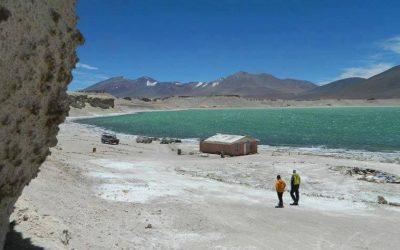 Chile. Volcán Ojos del Salado 6853 ruta Chilena, desde Copiapó.