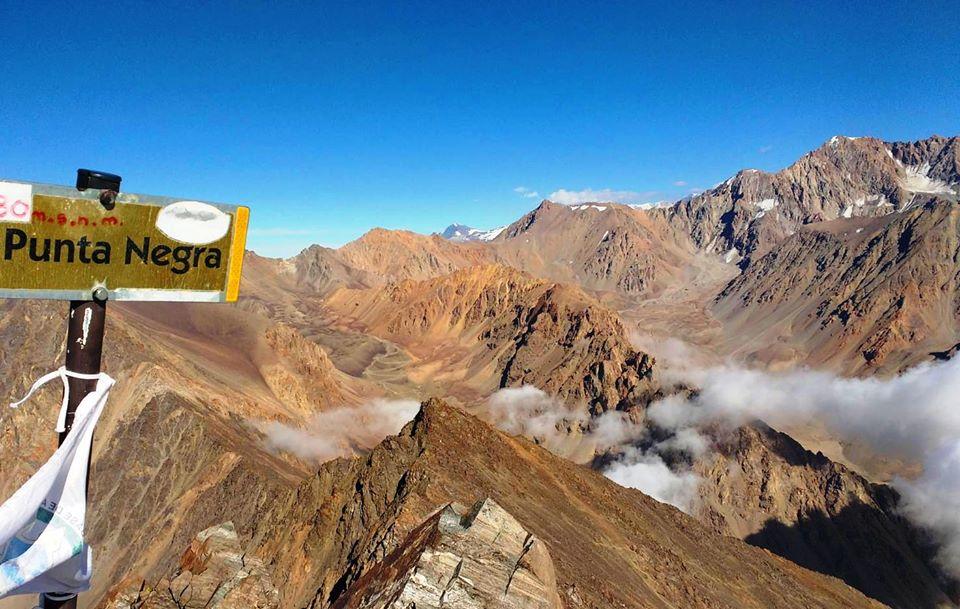 Ascenso al Cerro Punta Negra 4343 Mendoza