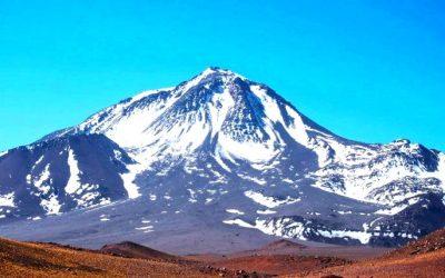Volcán Llullaillaco 6739 msnm. La 7ª montaña de America. Salta.