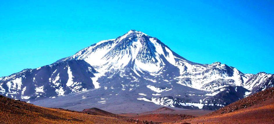 Volcán Llullaillaco 6739 msnm. La 7ª montaña de America.