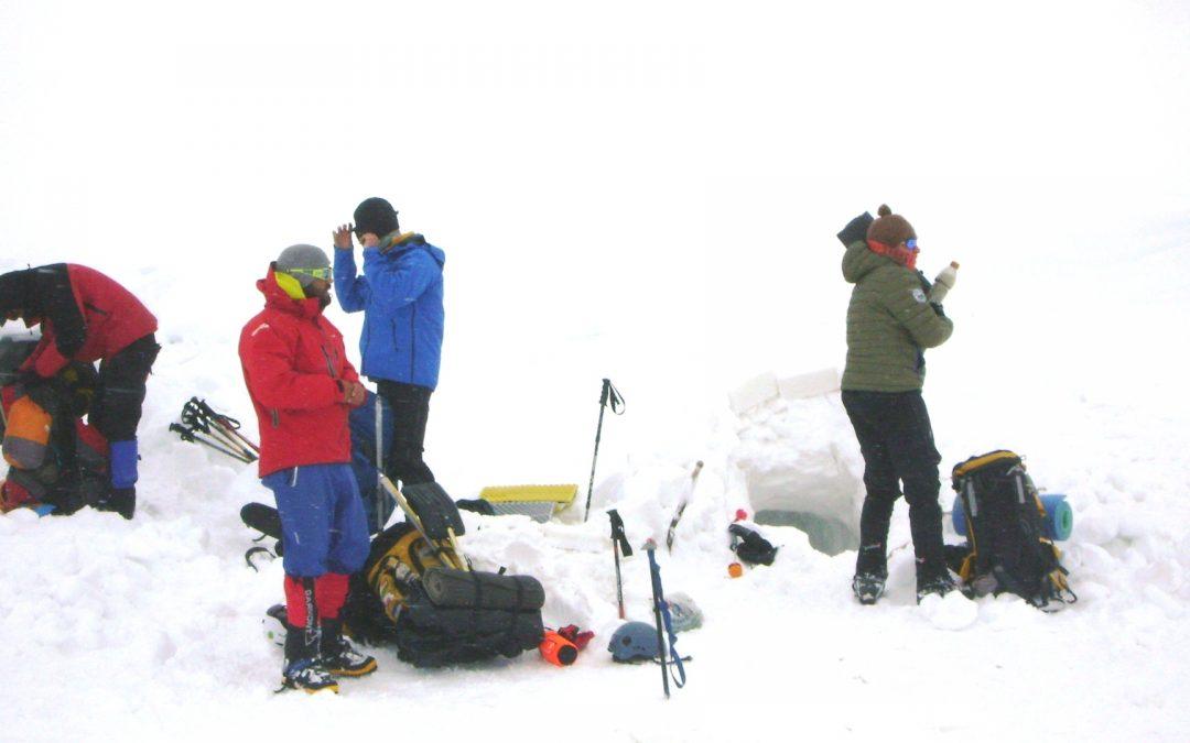 Curso de montanismo invernal
